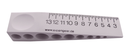 Quick reference gap gauge, wedge type